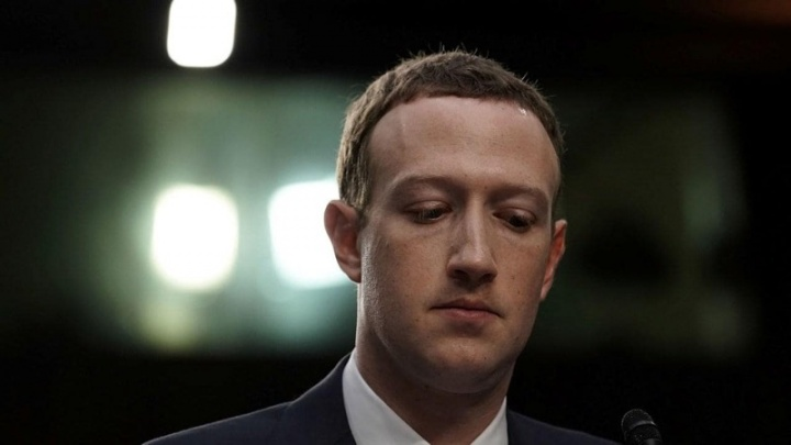Mark Zuckerberg Facebook rico planeta