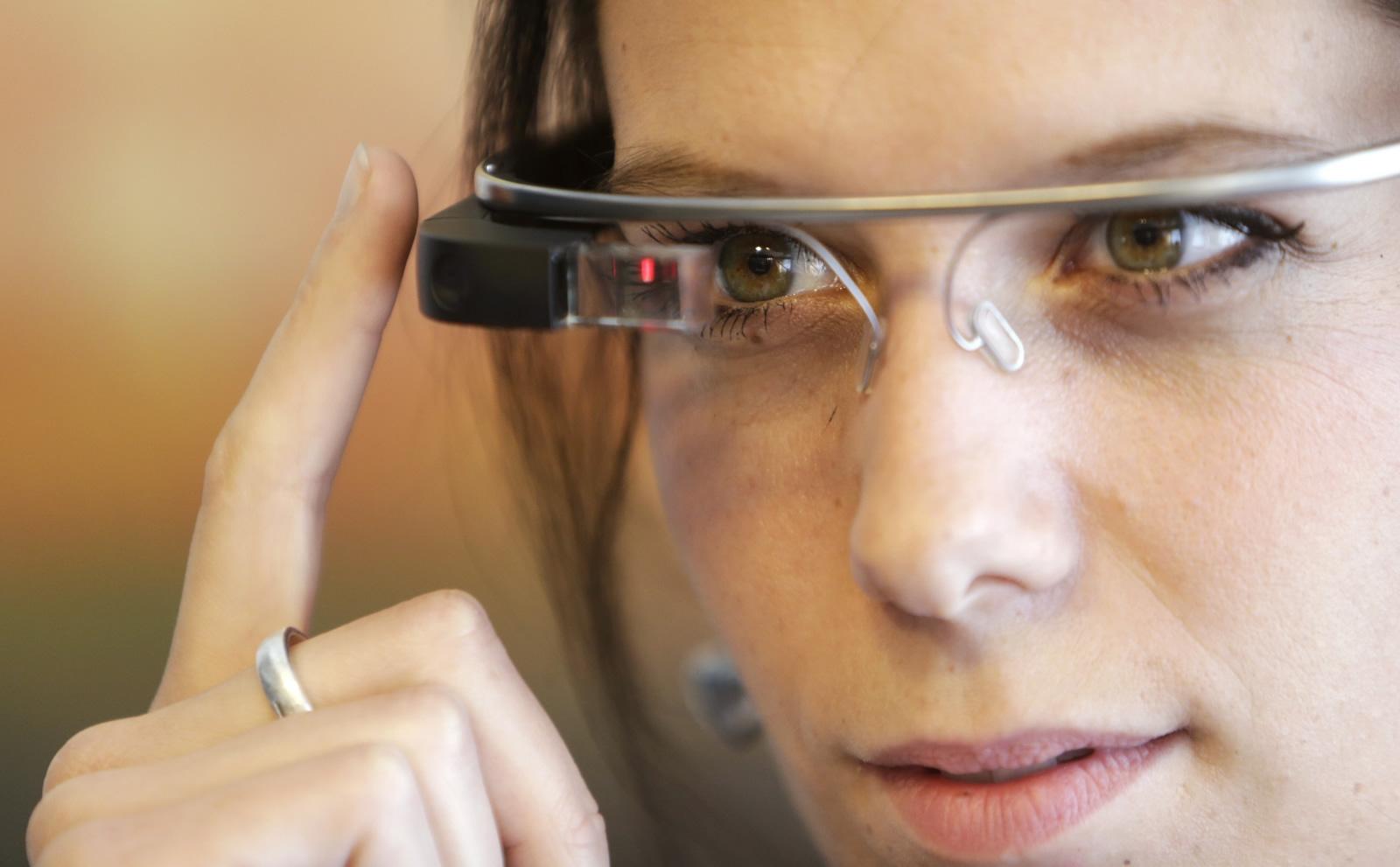 Os Google Glass estão de volta mas agora com inteligência artificial ... 31f3291102