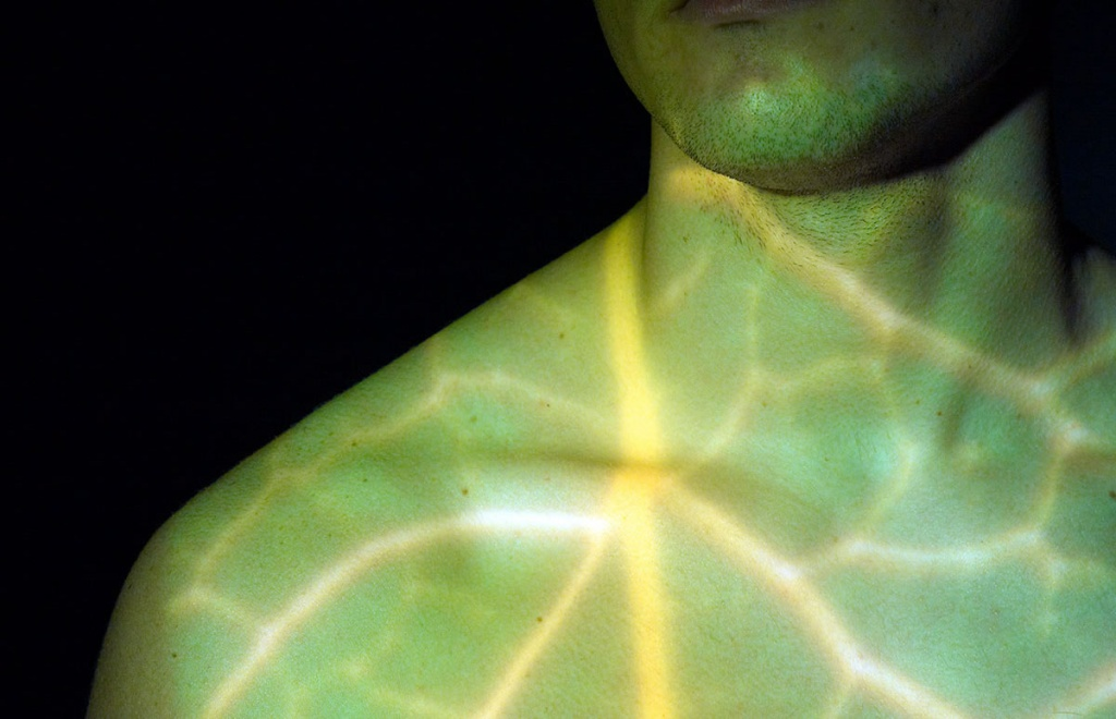 Imagem de implante de luz para matar o cancro