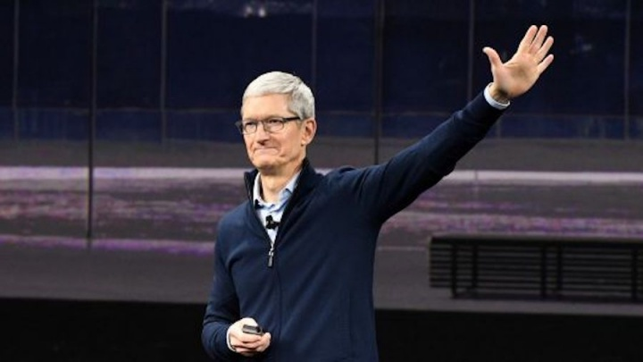 Apple Tim Cook 1 bilião