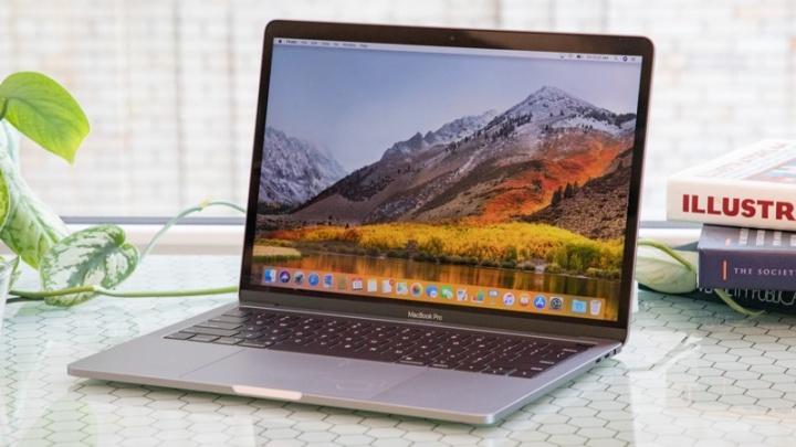 MacBook Pro Apple altifalantes estalidos