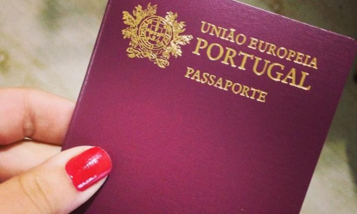 Imagem passaporte de Portugal que poderá ser um iPhone no futuro