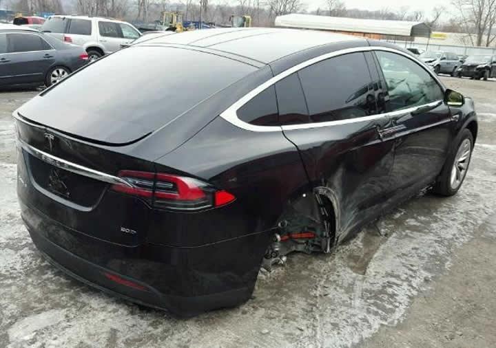 Imagem Tesla roubado
