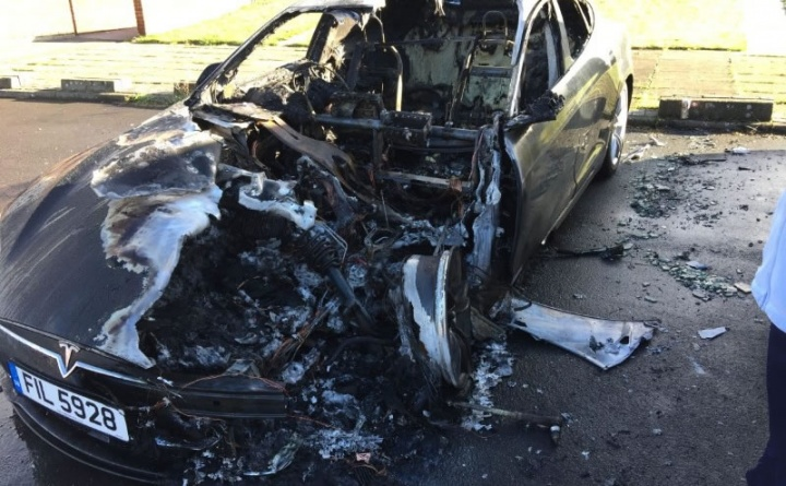 A Tesla patenteia baterias mais seguras em caso de incêndio