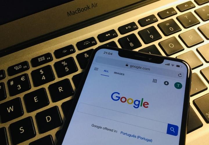 Google Apple Paga Safari broser iOS