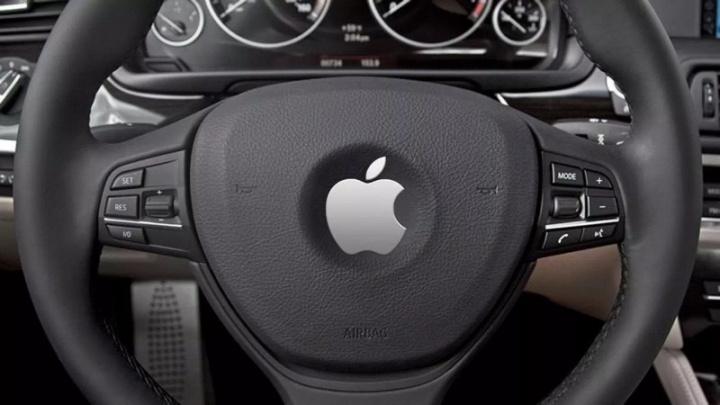 Apple carros autónomos acidente DMV Califórnia