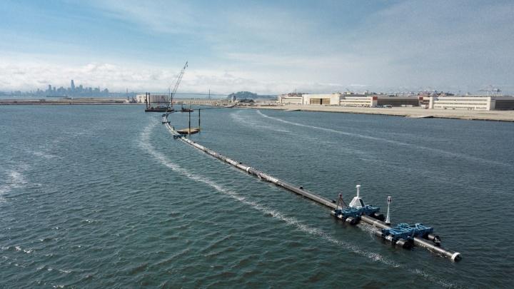 Serpente gigante para limpar os oceanos do lixo plástico