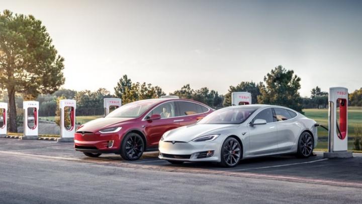 Tesla Supercharging carregamentos gratuitos