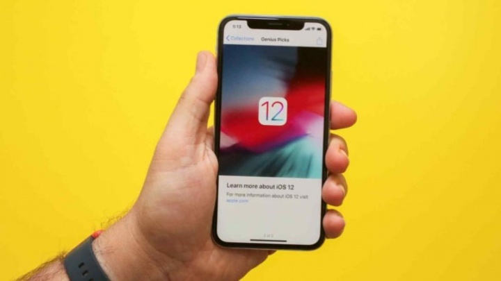 smartphones Apple notch bezel Android