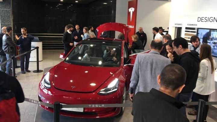 Portugal: Tesla bate a Nissan no segmento dos carros elétricos