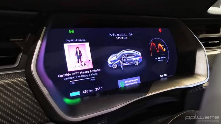 Tesla condução autónoma vídeo carros