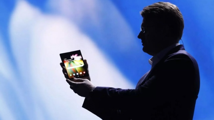 Samsung Galaxy F Infinity Flex Display ecrã dobrável smartphone