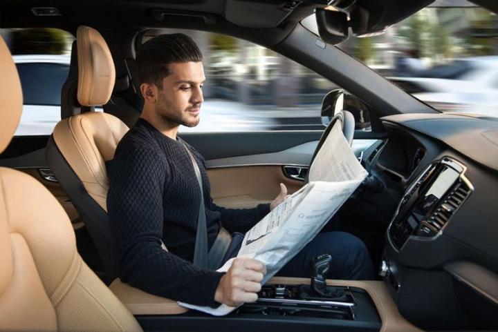 Volvo bate a Tesla na Condução Autónoma? Estudo diz que sim