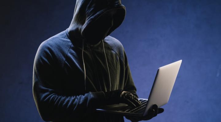 Universidade de Aveiro quer ajudar a NATO a combater extremistas na Internet . Foto Freepik