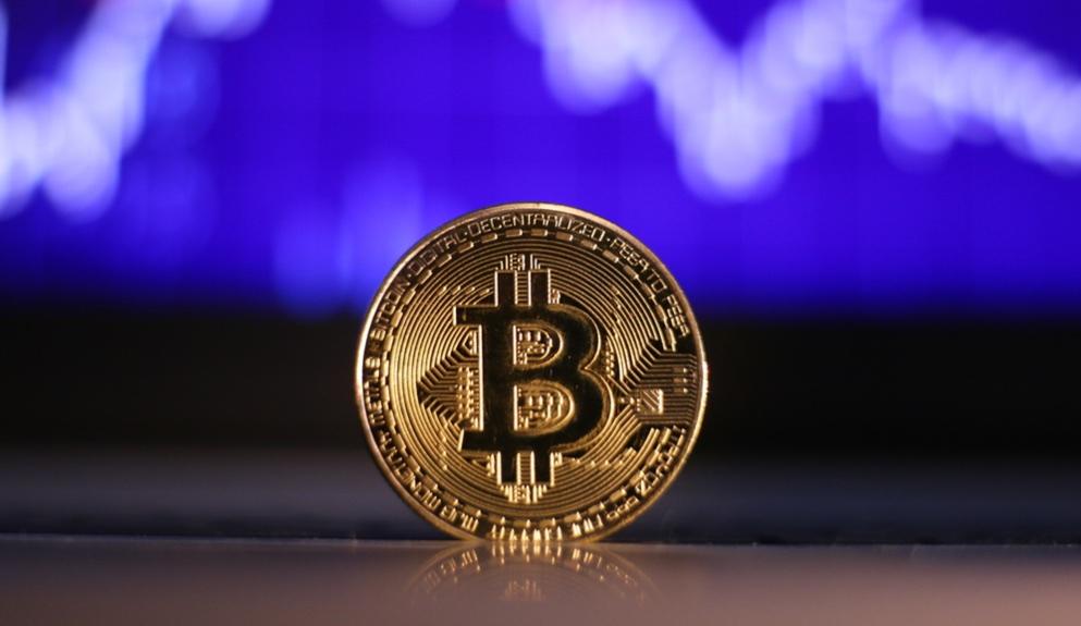 Bitcoin em forte queda depois de ataque de Trump no Twitter