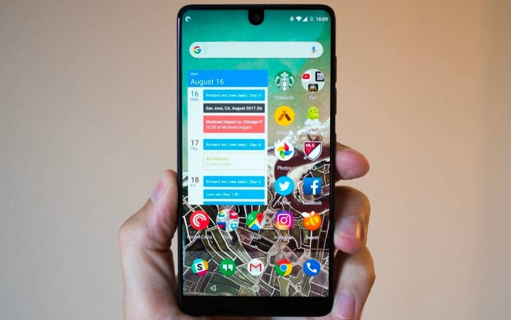 essential phone android 11