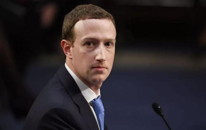 Facebook entregou mensagens privadas dos utilizadores a 150 empresas. Mark Zuckerberg do Facebook, entregou mensagens privadas à Amazon