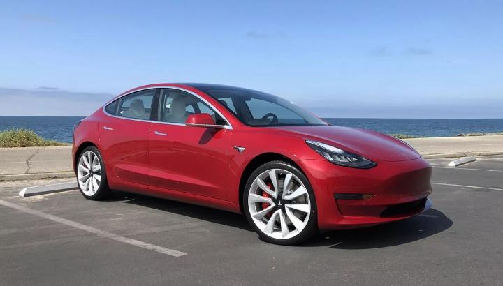 Imagem Tesla Model 3 que vem para a Europa
