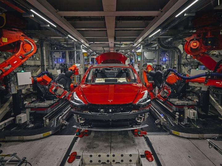 Tesla Model 3 Elon Musk funcionários dispensar