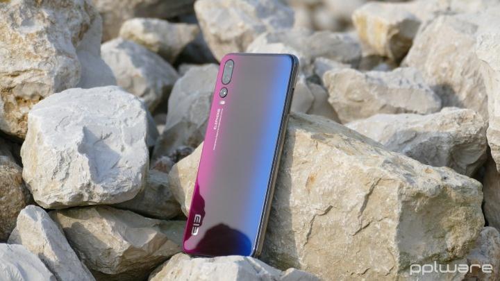 Análise: smartphone Elephone A5... com câmara tripla?!