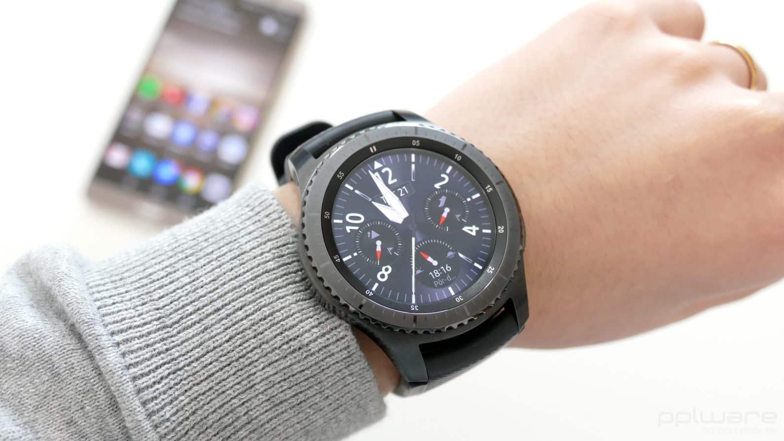 QnA VBage Samsung Gear S3 recebe atualização repleta de novidades