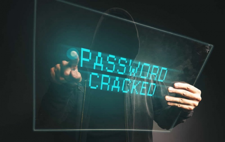 Ilustração de 773 milhões de emails e passwords divulgadas na Internet