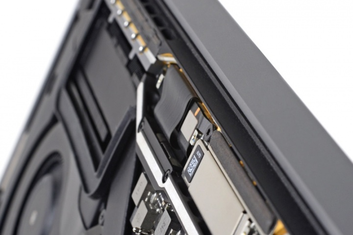 Flexgate Apple MacBook Pro ecrã problema