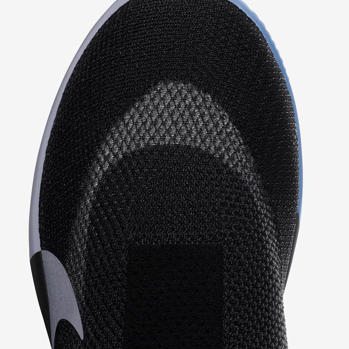 Nike Adapt BB, os ténis que pode apertar através do