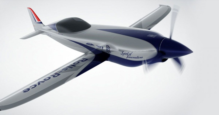 Imagem avião Rolls Royce elétrico