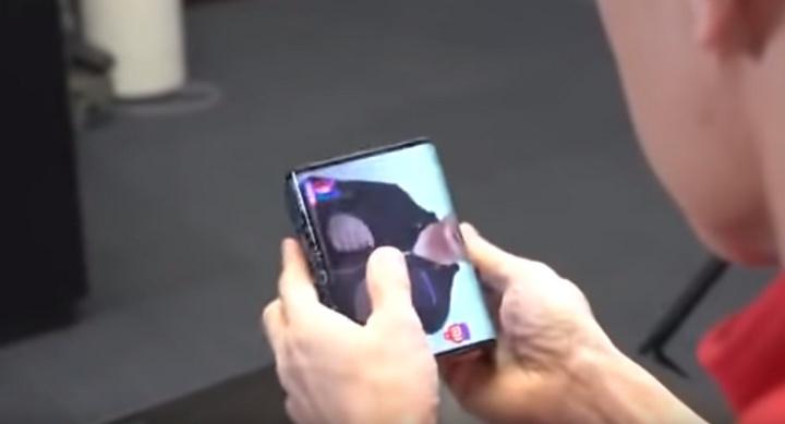 CEO da Xiaomi revelou o seu 1.º smartphone dobrável em vídeo