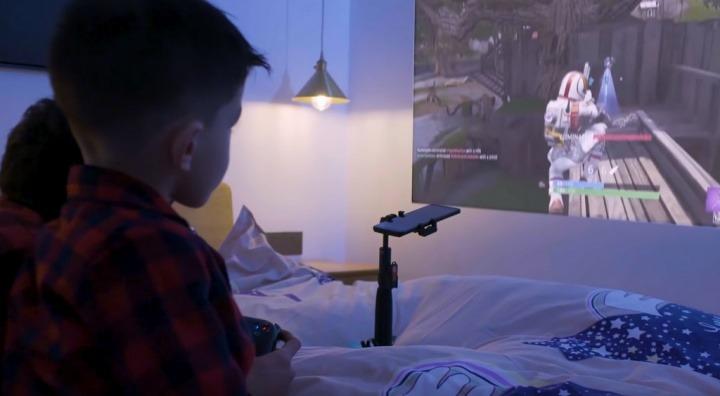 Blackview Max 1 - o telemóvel projetor em ação [vídeo]
