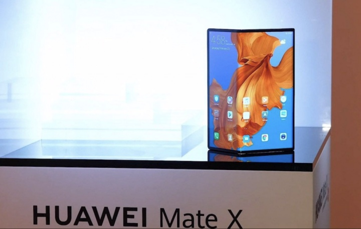 Huawei Mate X smartphone dobrável Android MWC19