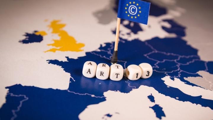 artigo 11 artigo 13 Internet Comissão Europeia votação