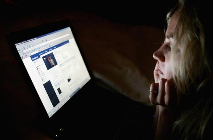 Facebook malware questionário rede social