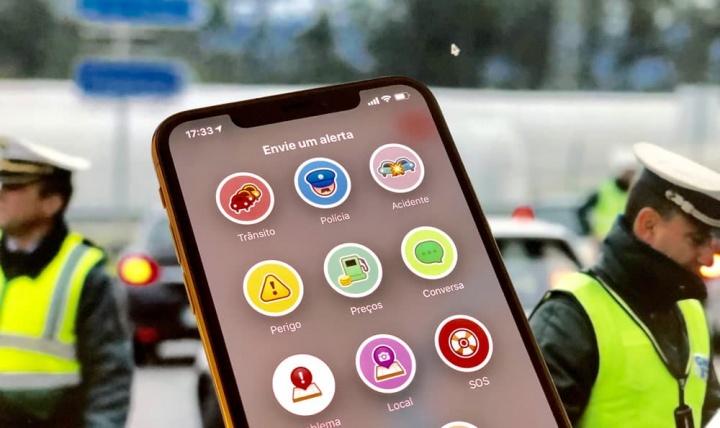 Imagem Waze com a função de alertar para radares