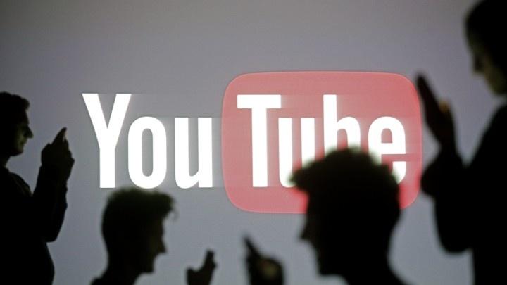 YouTube plataforma vídeos Google strike