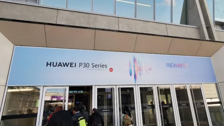Huawei P30 Pro smartphones