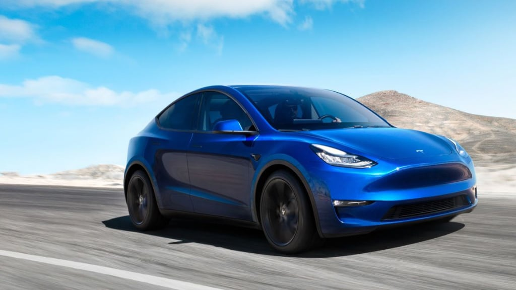 Tesla Model Y, the new SUV from Elon Musk, will be asphalt