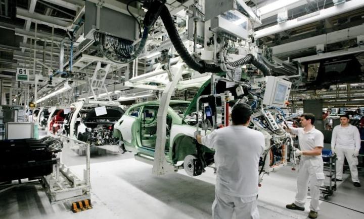 Falta de chips com impacto em 20% da produção nacional de carros