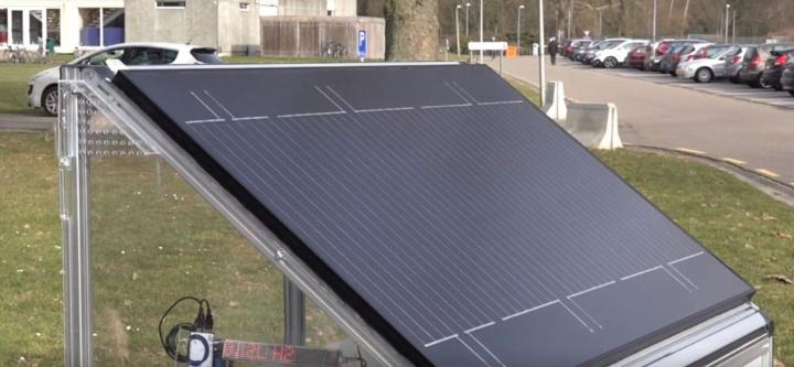 Imagem painel solar que divide a água para produzir hidrogénio
