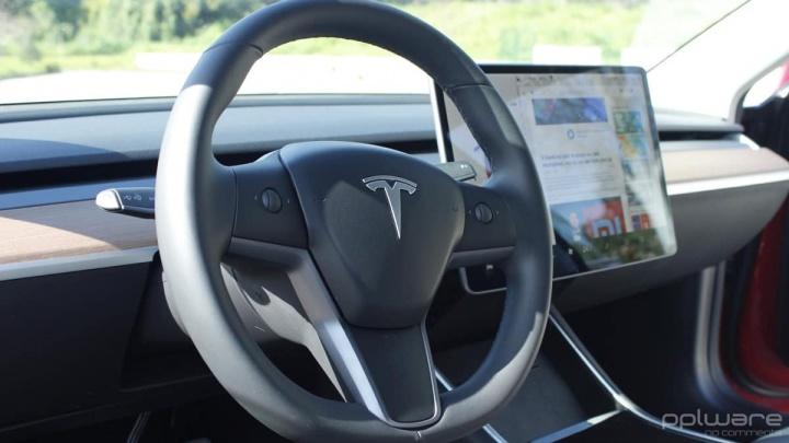 Tesla email funcionários informação Elon Musk