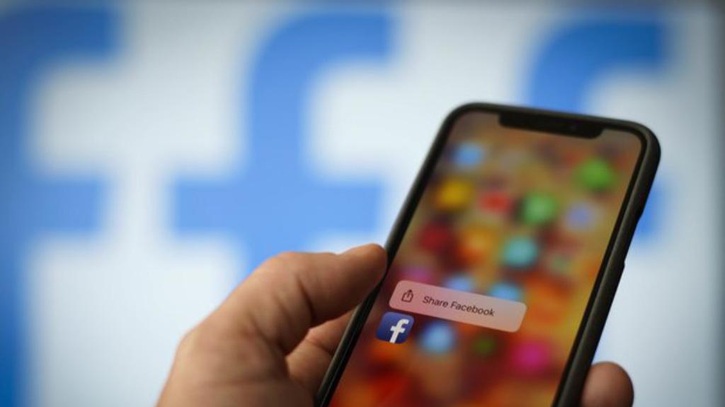 Facebook, redes sociais smartphones Instagram WhatsApp Portugal