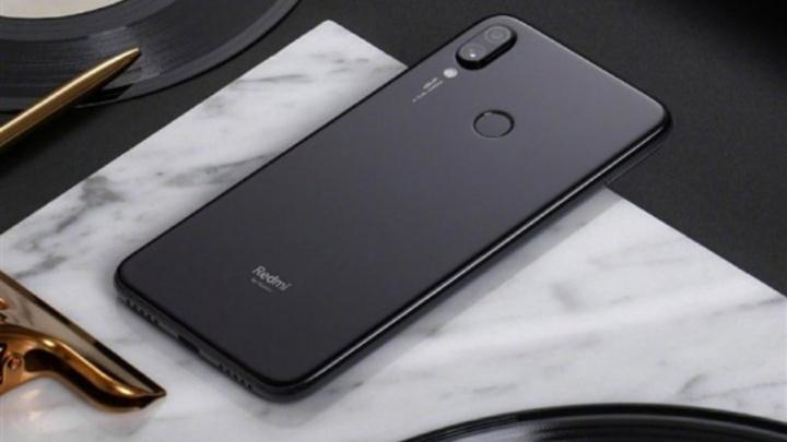 smartphones Xiaomi Mi 9 Redmi 7