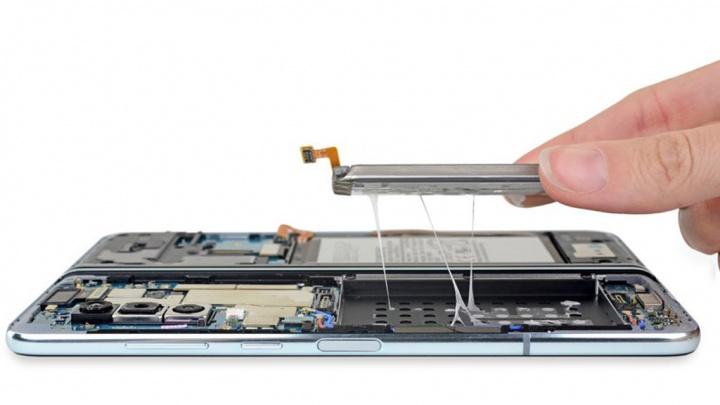 Samsung Galaxy Fold smartphone dobrável