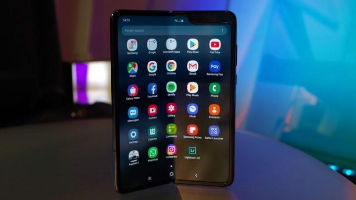 Samsung Galaxy Fold testes ecrã problemas
