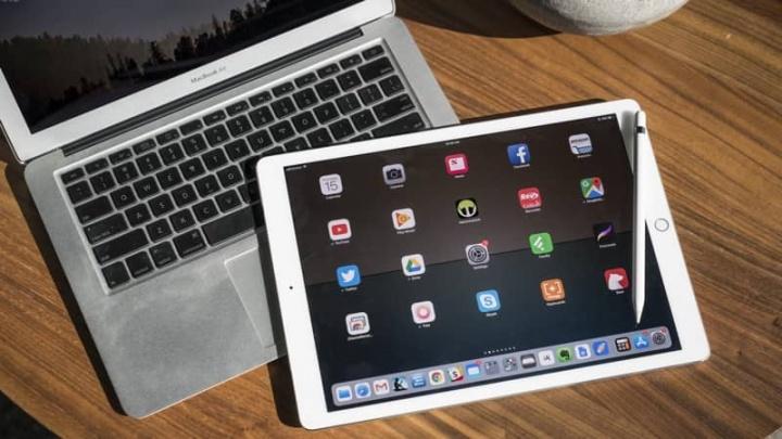 iPad monitor macOS Mac iOS