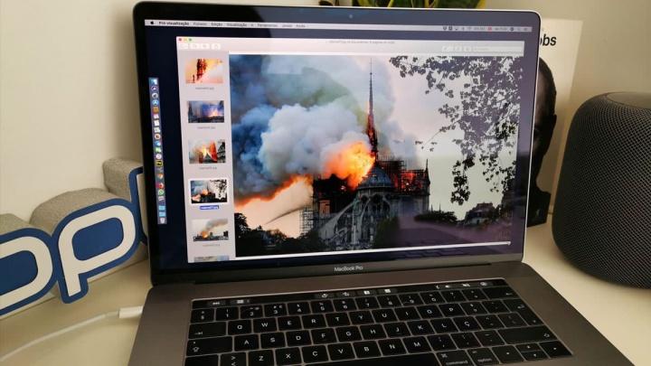 Imagem Macbook Pro com pré-visualização de imagens de Notre Dame