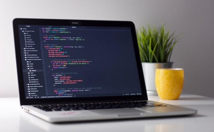 Criar uma app CRUD com Node.js + MongoDB