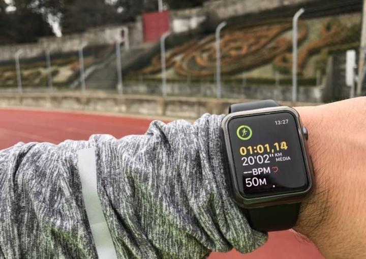 Pulseiras e relógios de desporto são mentirosos? Parece que sim...