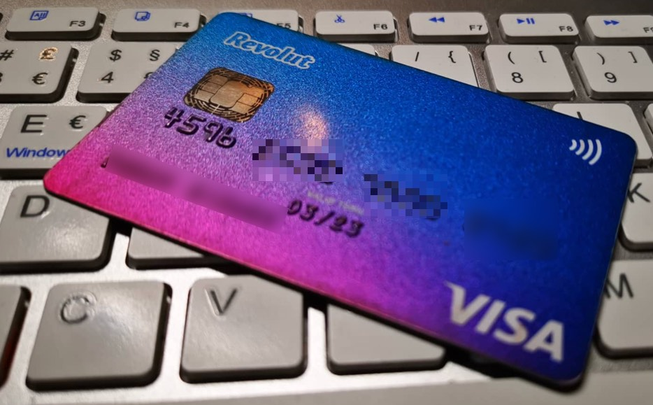 Finance wants Revolut and N26 accounts to be declared on the IRS